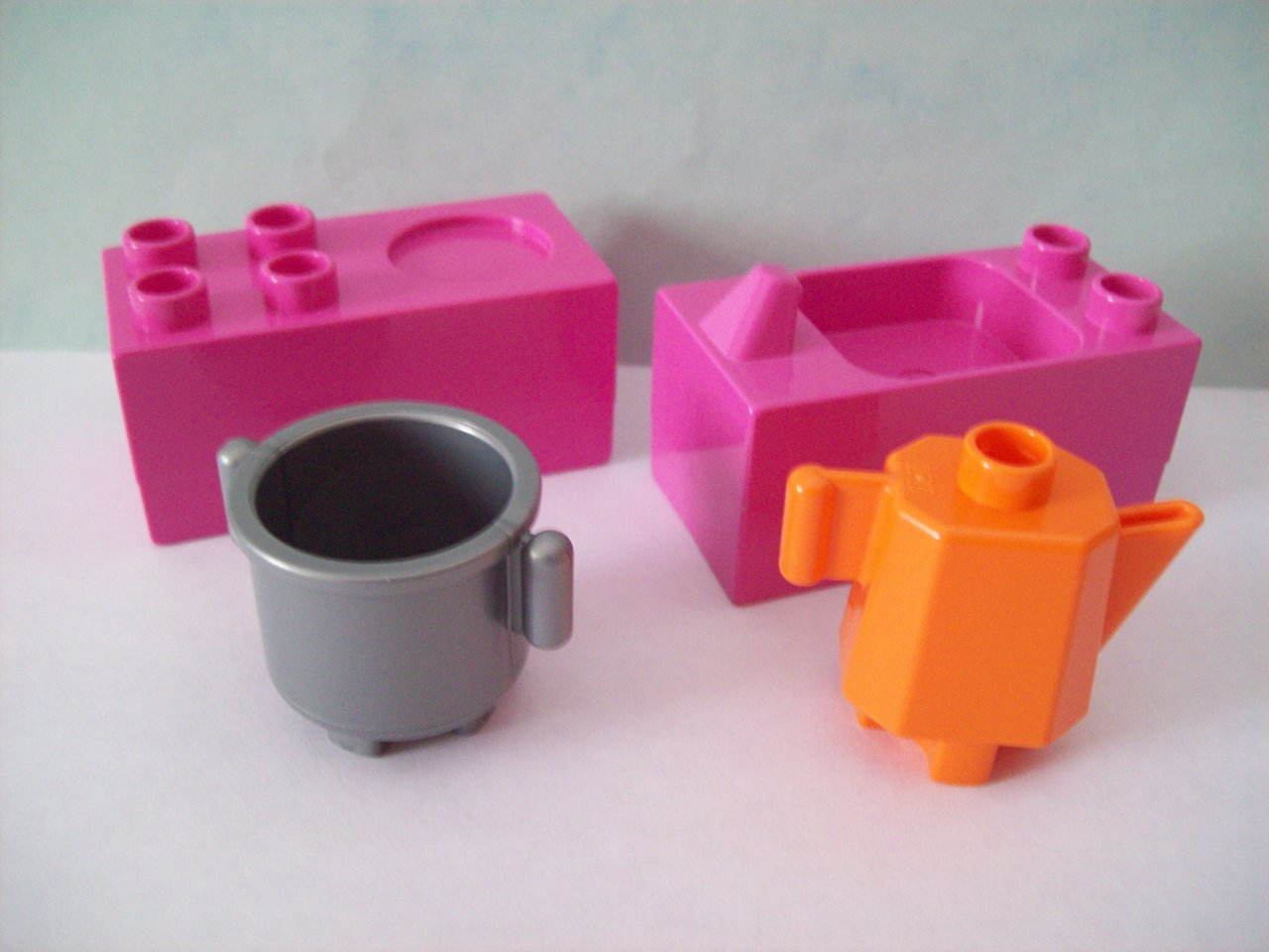 lego duplo 10505 familienhaus kinderk che rosa herd sp le mit topf und kanne neu stonebrick. Black Bedroom Furniture Sets. Home Design Ideas